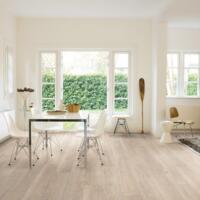 Classic - Laminate Flooring - Moonlight Oak Light