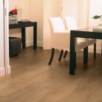 Classic - Laminate Flooring - Natural Varnished Oak